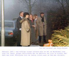 Uit het archief van Sonja Kornet. Februari 1985 - een mistige vroege ochtend waar we met de Wunderman crew onze Jos (Rath) gingen feliciteren met de geboorte van zijn 1e kindje. Met dank aan klant Mölnlycke voor de lading luiers waar we hem mee verraste.