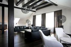 Дизайн современной квартиры на чердаке от студии Ramunas Manikas / CURATED.ru