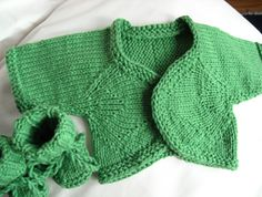 Moonbeam? Sunbeam? Starbeam? All of those can apply to a baby – they radiate their emotions so honestly, even in their sleep. This bolero radiates, too, to form the rounded front that slightly overlaps in the middle. It is knit cuff-to-center and Kitchener stitched together at the center back. There are not too many total stitches; but pay attention and read ahead because the changes happen quickly!