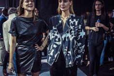 En backstage du défilé Isabel Marant printemps-été 2015 http://www.vogue.fr/mode/inspirations/diaporama/fwpe2015-en-backstage-du-defile-isabel-marant-printemps-ete-2015/20522/image/1091392#!3