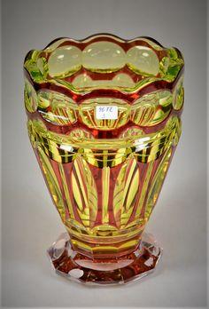 Val-Saint-Lambert vase 'Midas' répertorié S/390 - Cristal urane doublé rouge à l'or - Joseph Simon - Catalogue Cristaux de Fantaisie 1926 - H 20,5 cm.