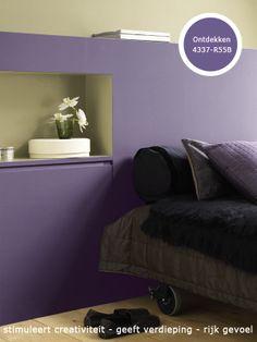Paars is een prima kleur voor de slaapkamer omdat de koele variant zorgt voor ontspanning. Maar een warmere nuance stimuleert ook de creativiteit en zorgt voor een rijk gevoel.