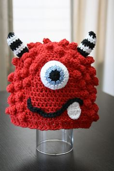 BRONSTER the Monster and MISSY the Monster is so cute would be good to crochet for new baby Crochet Kids Hats, Crochet For Boys, Crochet Beanie, Cute Crochet, Crochet Crafts, Crochet Projects, Crochet Children, Crochet Monsters, Crochet Monster Hat
