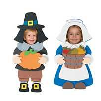 A fun pilgrim craft for the harvest season! A great way to display your favorite Thanksgiving photos. Thanksgiving Photos, Thanksgiving Crafts For Kids, Thanksgiving Decorations, Fall Crafts, Thanksgiving Activities, Thanksgiving Holiday, Holiday Crafts, Holiday Ideas, Kindergarten Thanksgiving