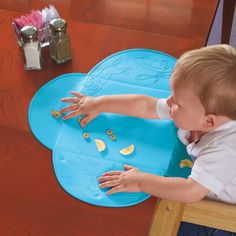 Summer Infant Tiny Diner Portable Placemat, Blue. With food catcher.