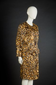 MODEMUSEUM HASSELT - Yves Saint Laurent (A/W 1986)
