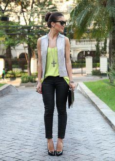 Camila Coelho look-do-dia-black-silver Womens Fashion Casual Summer, Office Fashion Women, Womens Fashion For Work, Estilo Casual Chic, Casual Chic Style, Skinny, Fashion Over 50, Casual Looks, Summer Outfits