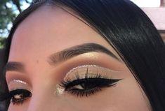 10 Dramatic Eye MakeUp Ideas For A Beautiful Bride Cute Makeup Looks, Makeup Eye Looks, Eye Makeup Art, Glam Makeup, Gorgeous Makeup, Pretty Makeup, Skin Makeup, Eyeshadow Makeup, Eyeshadows