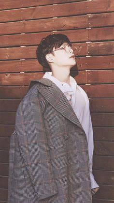 Zhang_yixing are doing this to me Yixing Exo, Chanyeol Baekhyun, Kai, Shinee, Exo Lockscreen, Exo Korean, Kim Minseok, Exo Ot12, Fandom