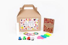 The Photo FX Kit! Everything to need to take magical photos - a glass prism, colored flour, 4 colored LEDs, a rainbow peephole and a handy Guide to Photo Magic.