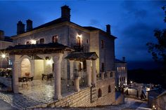 Παραδοσιακοί Ξενώνες Μονοδένδρι Ζαγοροχώρια ξενοδοχεία διαμονή δωμάτια και σουίτες Spaces, Mansions, House Styles, Home Decor, Decoration Home, Manor Houses, Room Decor, Villas, Mansion