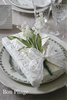 Lilly of the Valley lovely ! - Bon Pliage - Gallery