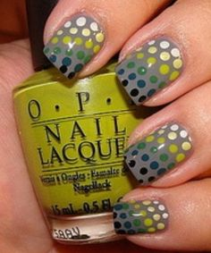 gradient polka dot nails!  LOVE this!! Totally reminds me of the mosaic sea serpent in one of Chico's parks. Gorgeous colors!