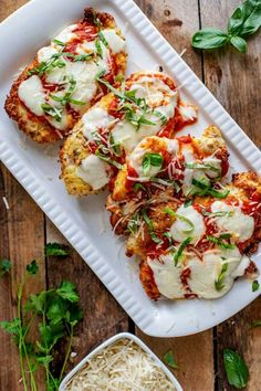 Looking for the best ever low carb Keto Chicken Parmesan? You can either bake this dish in the oven, or cook it in your Air Fryer! With almond flour and Parmesan cheese as the crust, this easy recipe is a crowd pleaser! Stew Chicken Recipe, Easy Crockpot Chicken, Chicken Recipes, Low Carb Chicken Parmesan, Keto Chicken, Healthy Chicken, Almond Recipes, Diet Recipes, Healthy Recipes
