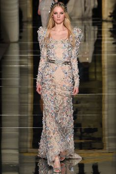Catwalk photos and all the looks from Zuhair Murad Spring/Summer 2016 Couture Paris Fashion Week Couture Looks, Haute Couture Fashion, Elie Saab, Runway Fashion, Fashion Show, Gq Fashion, Paris Fashion, Fashion Trends, Zuhair Murad Dresses