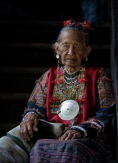 Philippines | Elderly Mandaya woman.  Davao Oriental, Mindanao | ©Eden Jhan Licayan Philippines Outfit, Philippines Culture, Filipino Art, Filipino Culture, Children Of Eden, Precious Children, Wise Women, Old Women, Mindanao