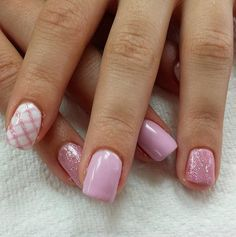 Pink Plaid // Spring Nail Art Ideas