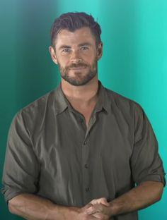 Chris Hemsworth, Bearded Men, Thor, Button Down Shirt, Men Casual, Marvel, Beards, Mens Tops, Army