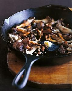 Pan-Roasted Mushrooms — Recipe from Leite's Culinaria Side Dish Recipes, Veggie Recipes, Vegetarian Recipes, Cooking Recipes, Healthy Recipes, Beef Recipes, Roasted Mushrooms, Stuffed Mushrooms, Roasted Garlic