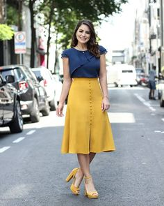 37 Street Fashion Week Street Styles of Spring and Summer Part - Page 17 of 37 - Womens ideas Skirt Outfits Modest, Dress Skirt, Dress Outfits, Stylish Dresses, Casual Dresses, Modest Fashion, Fashion Dresses, Ootd Fashion, Street Fashion