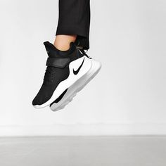 NEW IN! The Nike Kwazi is a re-innovated Nike basketball sneaker. With it's rave high-profile top and midfoot strap it'll provide locked-down support and great comfort. The wavy outsole ensures a modern cool look and delivers lightweight flexibility. Beauty! Available now! #SupplyingGirlsWithSneakers