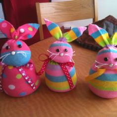 Easy Dollar Store Easter Crafts for Kids to Make on a Budget – Back to School Crafts – Grandcrafter – DIY Christmas Ideas ♥ Homes Decoration Ideas Easter Projects, Easter Crafts For Kids, Toddler Crafts, Craft Projects, Craft Ideas, Sock Crafts, Bunny Crafts, Cute Crafts, Spring Crafts