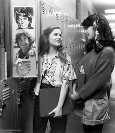 Fast Times at Ridgemont High Phoebe Cates has the feather roach clip that all the cool girls wore, and I believe that is Rick Springfield and Timothy Hutton on the locker door. 90s Movies, Great Movies, Movie Tv, Phoebe Cates Fast Times, Movies Showing, Movies And Tv Shows, Linda Barrett, Timothy Hutton, Rick Springfield