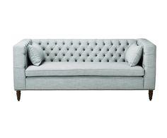 Lassen Sie sich inspirieren! Das Dreisitzer-Sofa DENERIS im Chesterfield-Look ist der absolute Hingucker! Kreieren Sie mit dieser Couch Ihren eigenen Stil oder drücken Sie Ihre Persönlichkeit in Ihrem Zuhause aus. Das Sofa DENERIS besticht durch sein geradliniges Design und bietet Ihnen und Ihren Gästen auf dem bequemen Polster ausreichend Platz. Bereichern Sie Ihr Zuhause mit der modernen Variante des Klassikers.