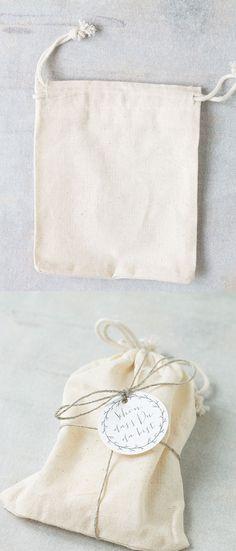 #give-aways #diy #verpackung #geschenk #gift #online bestellbar bei www.papierhimmel.com  #baumwollsäckchen #stoffbeutel #giveaways #hochzeit #gastgeschenke #guestfavors, #favorbags Giveaways, Burlap, Blog, Reusable Tote Bags, Presents, Bridal, Weddings, Gift, Paper Mill
