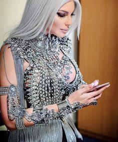 She can't do no wrong Style icon Jelena Karleusa Dance Fashion, Fashion Wear, Couture Fashion, High Fashion, Womens Fashion, Dress Hairstyles, Glam Girl, Kawaii Fashion, Celebrity Hairstyles