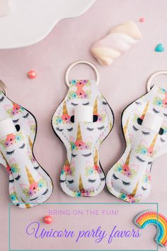 Cute unicorn keychains make an amazing party favor idea for your unicorn theme party! Keychains have a unique feature, they also hold a tube of lip balm! Fun, colorful unicorn pattern will add to your unicorn party decor when laid out on a table. Add the unicorn party favors to a treat bag or add a lip balm for a complete favor idea. Simple unicorn birthday party idea that will impress your guests.  Great for adult parties such as a unicorn baby shower. Visit daisylaneco.com to purchase! Diy Unicorn Party, Unicorn Baby Shower, Unicorn Birthday Parties, Kids Birthday Themes, Party Themes For Boys, Baby First Birthday Dress, Bachelorette Party Planning, Hot Wheels Party, Unique Party Favors