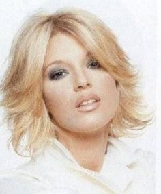 Účesy, vlasy a image - SVĚT ÚČESŮ - fotogalerie účesů. Vlasy, kosmetika, květiny, parfémy