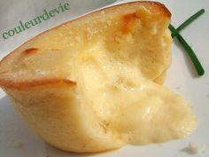 Moelleux aux asperges, cœur coulant sauce hollandaise