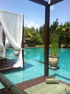 RosamariaGFrangini | Architecture Outdoor Living | In pool seating at the Sarojin an hour North of Phuket