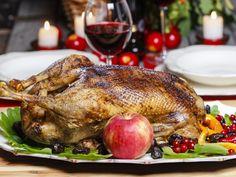 oie, chair à saucisse, foie, marrons, pain, échalote, lait, Sel, poivre, beurre, oignon, carotte, vin blanc, marrons