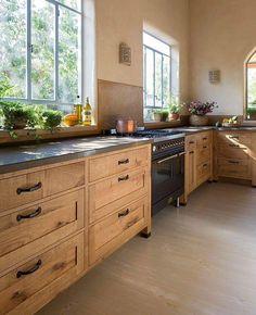 33 + The Birth of Farmhouse Kitchen Renovation Ideas - thehomedecores Modern Farmhouse Kitchens, Rustic Kitchen, Home Kitchens, Eclectic Kitchen, New Kitchen Cabinets, Kitchen Redo, Upper Cabinets, Kitchen Ideas, Rustic Cabinets