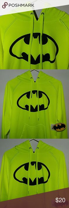 💚🌑Totally Cool Men's BATMAN Hoodie💚☀ Up for grabs is this men's size medium neon yellow Batman hoodie. This hoodie is new with the tag. Really cool looking hoodie. Thanks for checking out my closet. Batman Shirts Sweatshirts & Hoodies