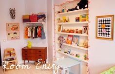 Kidsroom, neon yellow rabbit lamp