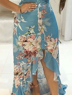 Shop Floral Print Ruffled Dip Hem Maxi Dress right now, get great deals at Voguelily Maxi Wrap Dress, Floral Maxi Dress, Dress Skirt, Maxi Dresses, Outfit Trends, Celebrity Dresses, Skirt Outfits, Pattern Fashion, Nice Dresses