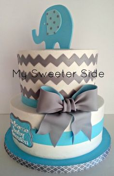 Elephant and Chevron baby shower cake, pink or coral instead of blue Loving the two toned fondant bow! Torta Baby Shower, Baby Shower Chevron, Baby Shower Fun, Pretty Cakes, Cute Cakes, Fondant Cakes, Cupcake Cakes, Buttercream Cake, Baby Showers