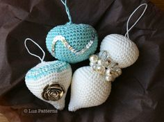Crochet pattern,Vintage inspired Christmas baubles pattern, crochet Christmas ornaments pattern (110) by Luz Patterns $3.99 #crochetpattern #crochet