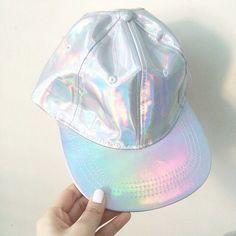 Love the simplicity of this holographic iridescent baseball cap! Would look so cute with a white tee and jeans.