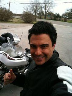 [b]Feliz da a los seres ms maravillosos q puso Dios sobre la faz d esta tierra... LA MUJER![/b]  follow Jaime Camil:  http://www.twitter.com/jaimecamil http://www.twitter.com/jaimecamil http://www.twitter.com/jaimecamil | camil_levy