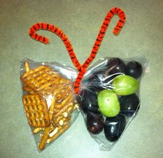 We LOVE this cute idea to add some fun to basic brown bag lunches! For more grain-filled recipes, health tips, and interesting articles: http://www.grainsforyourbrain.org/?utm_source=pinterest&utm_medium=social&utm_campaign=gffpins13