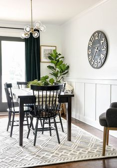 Bright White Modern Farmhouse Dining Room | Little House of Four - Creating a beautiful home, one thrifty project at a time.: Bright White Modern Farmhouse Dining Room Dining Room Walls, Dining Room Design, Small Dining Rooms, White Kitchen Decor, Dining Room Inspiration, Modern Farmhouse Kitchens, Room Wall Decor, Decoration, Bright
