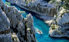 Things not to miss - #01 Les Gorges du Verdon The mighty gorges are Europe's answer to the Grand Canyon, and offer stunning views, a range of hikes, and colours and scents that are uniquely, gorgeously Provençal. #02 Aix-en-Provence Aix is Provence's regional …