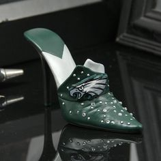 Philadelphia Eagles Decorative Team Shoe Collectible Statuette