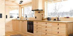 For å utnytte plassen best mulig, måtte arkitekten tenke smart. Decor, House Design, Interior, Home, Kitchen Cabinets, House Interior, Plywood Kitchen, Kitchen Dining, Kitchen Design