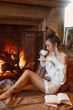 Whether you want to treat yourself or if you are looking for some gift ideas, Jessica Wang from Not Jess Fashion Blog shares her cozy must-haves to stay warm all winter long.