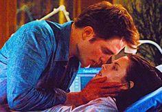 :: Breaking Dawn Part 1 :: The Cullen, Edward Cullen, Twilight Breaking Dawn, Twilight Saga, Robert Pattinson, Book Series, Comebacks, Cool Photos, Baby